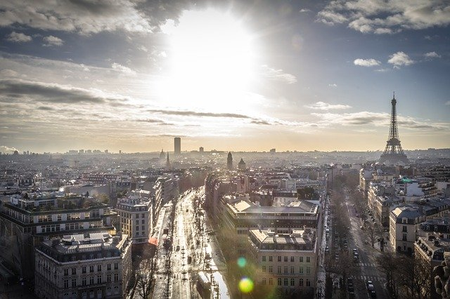 Is french hard to learn in Paris?