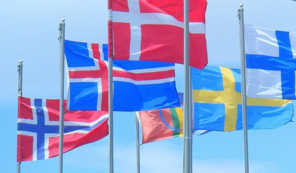 Scandinavian languages are easy to learn for English native speakers