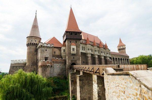 Travel to Romanian as you speak Romanian fluently