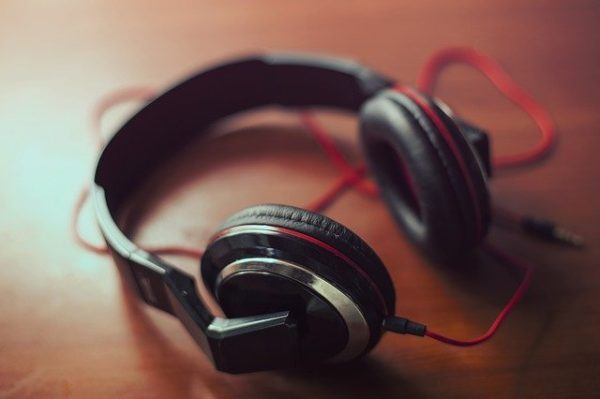 Learn French with French podcasts